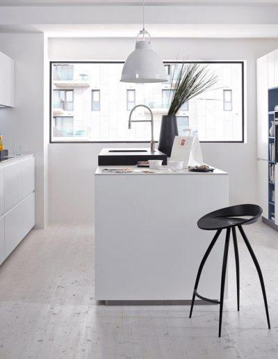 cocina blanca y tonos azules Zaragoza
